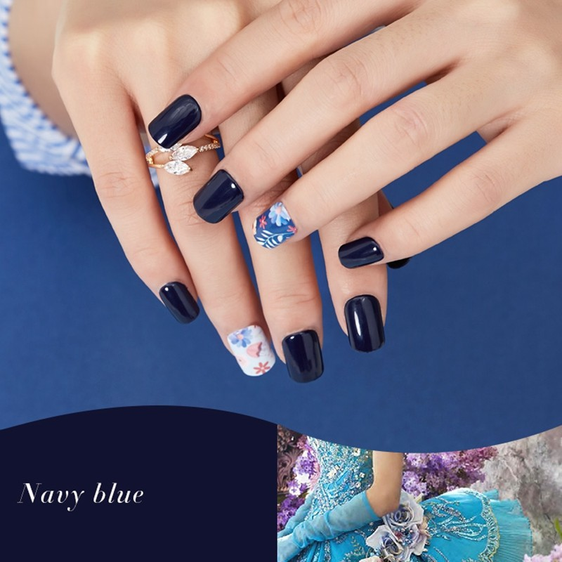 Square navy blue print nail