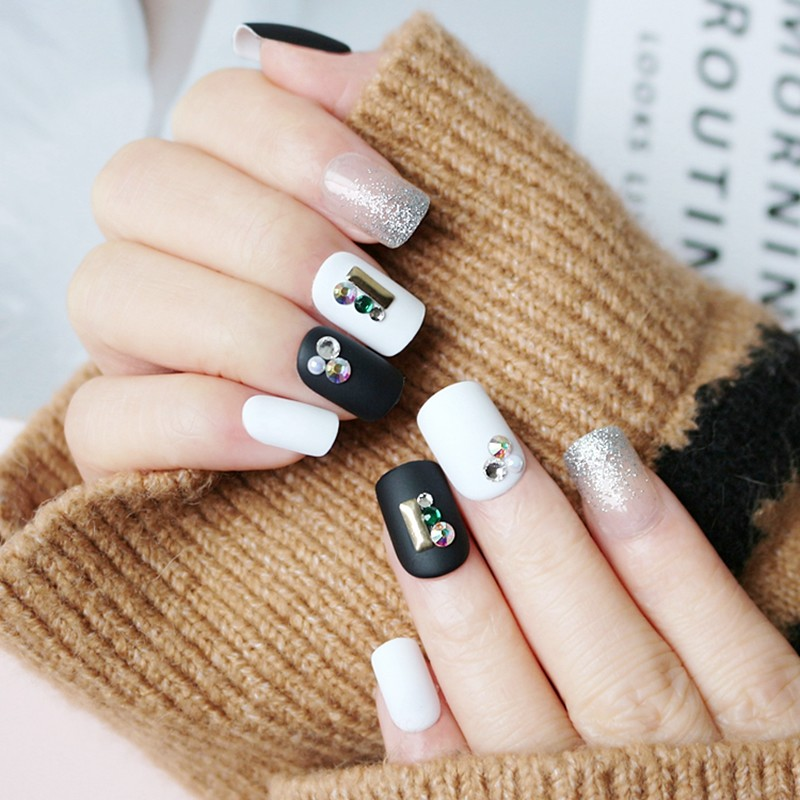 square shape press on nail with stone black and white