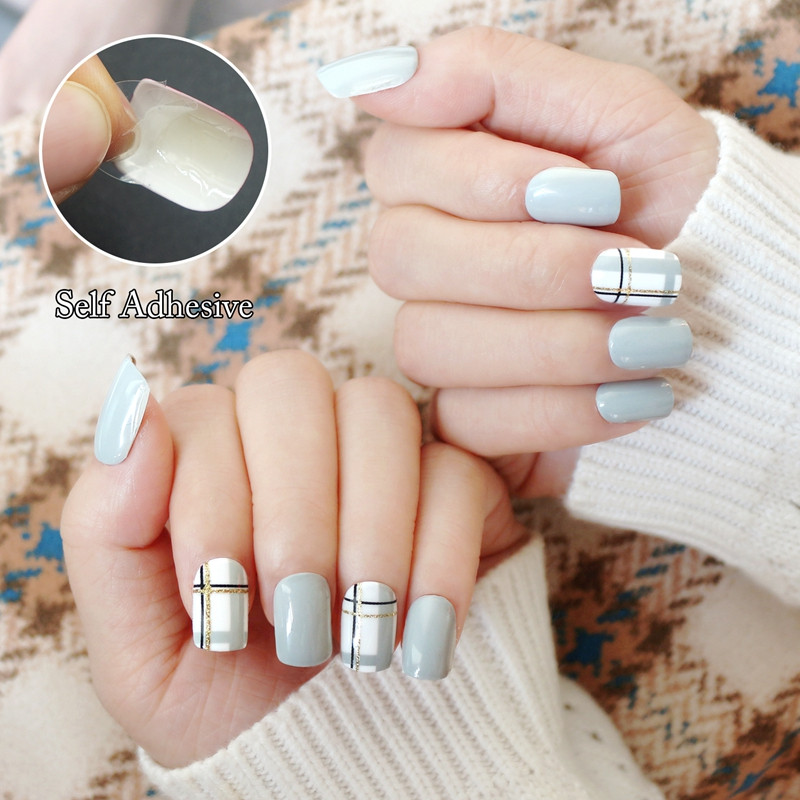 packaging short artificial nails customized for wedding-4