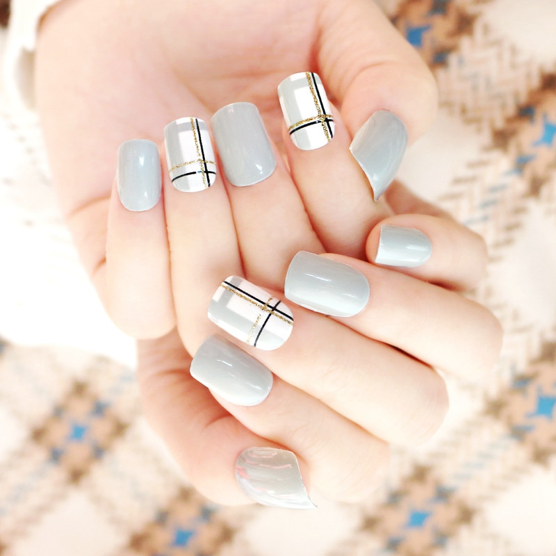 packaging short artificial nails customized for wedding-5