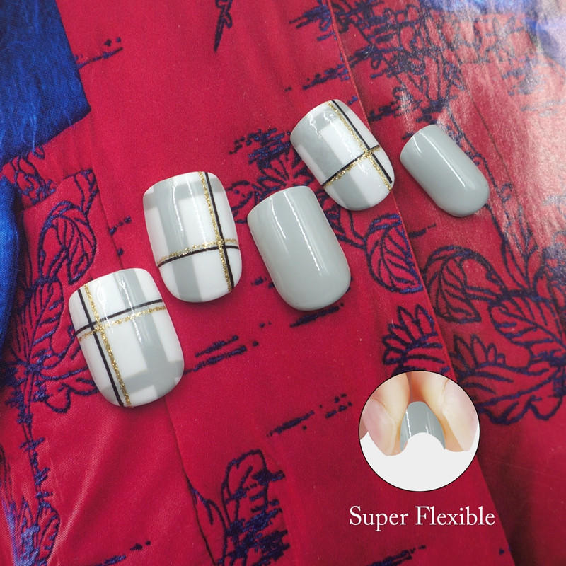 packaging short artificial nails customized for wedding-2