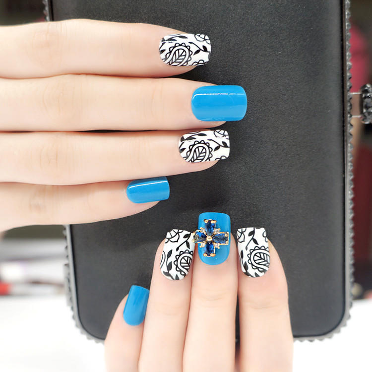 popular short artificial nails from China for girls-1