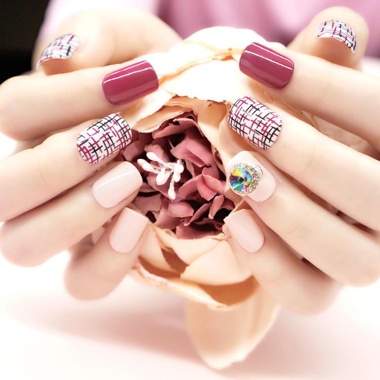 porcelain short fake nails customized for girls-3