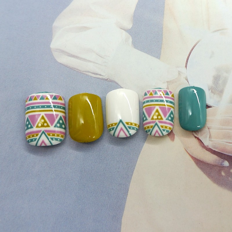 Quality Square Ethnic Style Nail Pre-Glue Arttifical Nail 24PCS